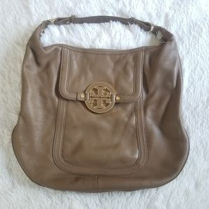 TORY BURCH | Amanda Flat Brown Leather Hobo Bag